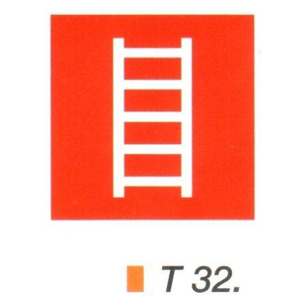 Tüzoltó létra helyét jelölö tábla t 32.